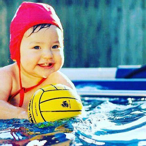 Unde invata bebe sa inoate?            www.aquaswim.ro Investitia in aceasta aptitudine a bebelusului tau este una dintre cele mai bune investitii pe care le poti face in sanatatea si educatia lui.  inot pentru copii #sănătate #sport #educație #energie #hailainot #Undeinvatabebesainoate #Bebelușul #Activitățișijocuri