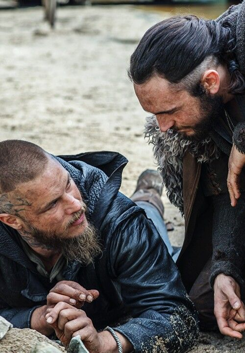 Ragnar and Athelstan discuss what Paris looks like and how to invade it!!