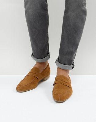 ASOS – Loafer in Wildlederoptik in Stone