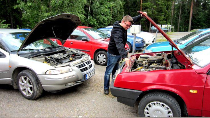 Chrysler Stratus LX 1996 Lada Samara 1300 S 3d axtec 1995