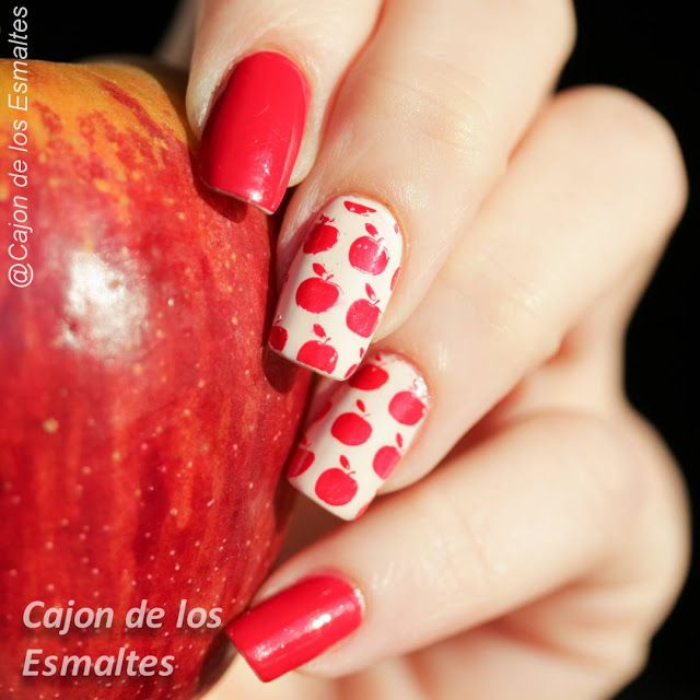 Red apple nails - Stamping nail art red and nude