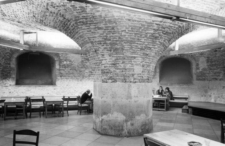 1978. Eger, Líceum, a Tanárképző Főiskola pinceklubja.
