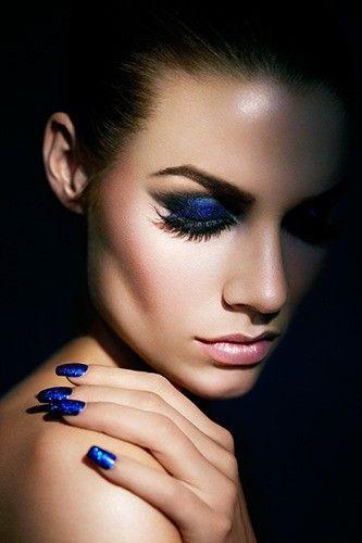 Royal blue makeup and nails