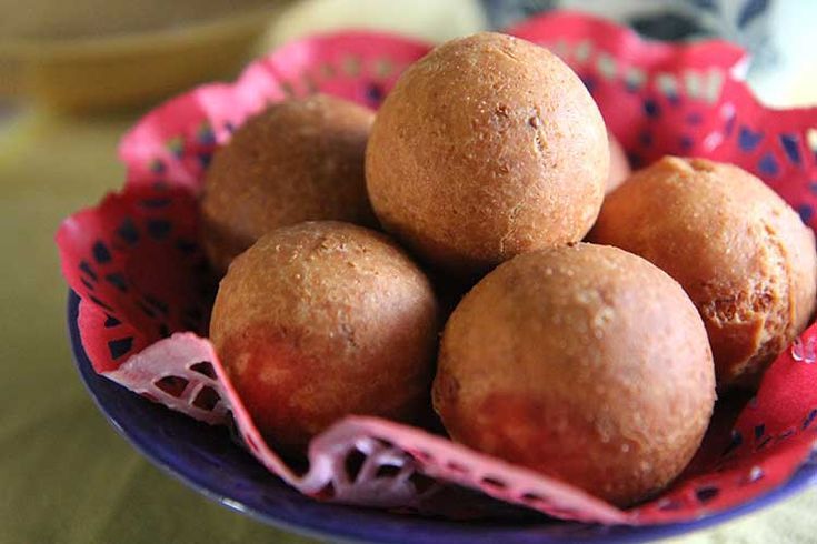 bunuelos navidenos & natilla recipes with videos - a Colombian holiday tradition