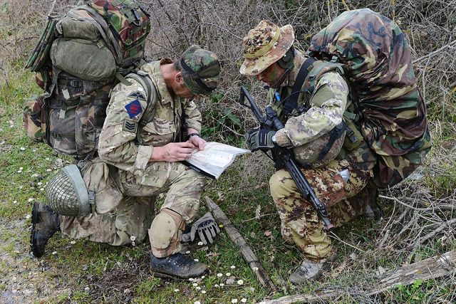 British and Italian Soldiers Working Together | Flickr - Photo Sharing!