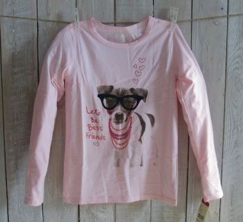 "NEW no tag! Your sweet princess will want to get friendly with this gorgeous dog in her pink OSHKOSH high quality longsleeve tee. Size 4 Measurements : width 30 cm, length 44 cm, sleeve length 41 cm Suitable for girl weight 33-36 lbs and height 41-43"" Code G001"