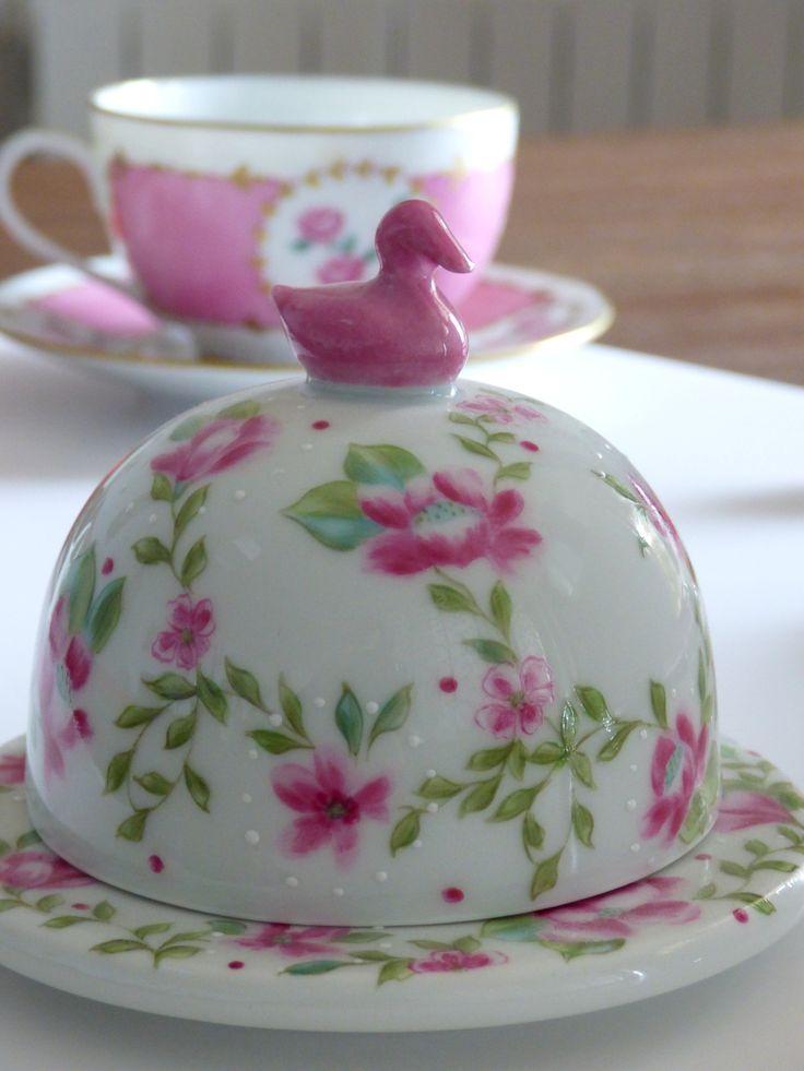Beurrier Instant fleuri en porcelaine fine de Limoges peint à la main
