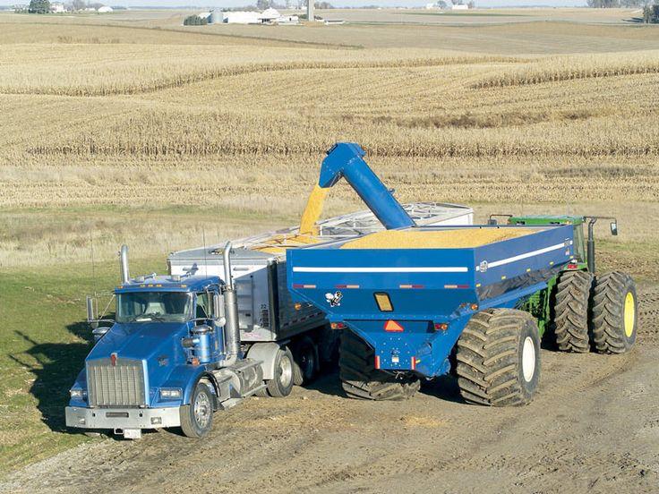 1050 Harvest Commander Grain Auger Cart Introduced