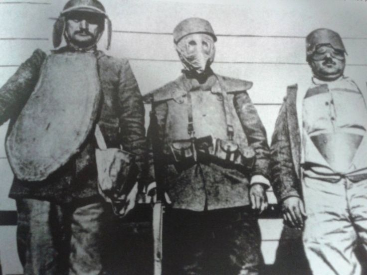"""Italian soldiers of the """"Death Brigade"""" with armours, WWI they were volunteers and were used to prepare the battlefield (cutting barbed wire, removing traps…) and wore armours because of snipers"""