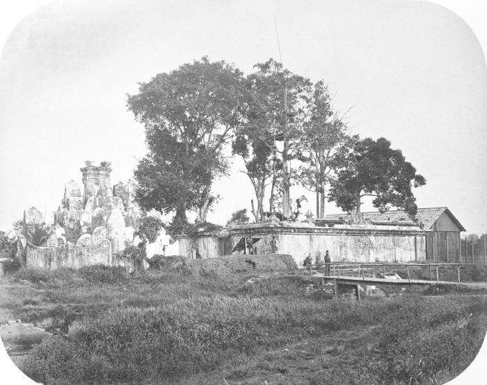 Taman Bunga Teratai Gunongan, Kraton Kutaraja (1875-1885)