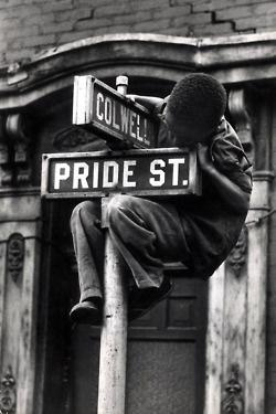 Pride Street  Photographer: William Eugene Smith  Pittsburgh, Pennsylvania, USA, 1955.