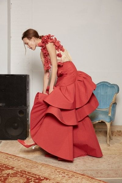 View the complete Rosie Assoulin Fall 2017 ready-to-wear collection.