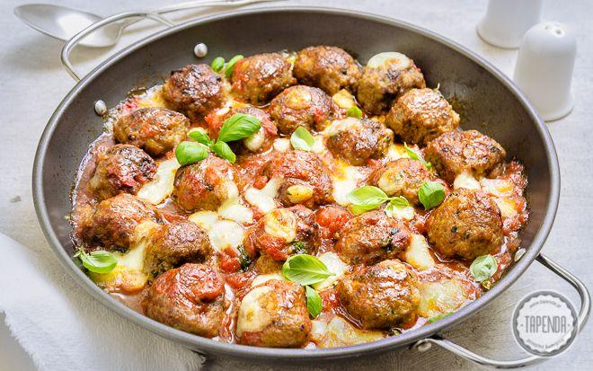 Zapiekane pulpety z mozzarellą - przepis - Tapenda.pl