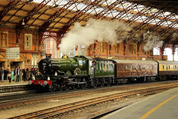 GWR Castle Class 4-6-0 No 5043 Earl of Mount Edgcumbe hauling the Whistling Ghost Excursion train entering Bristol Temple Meads