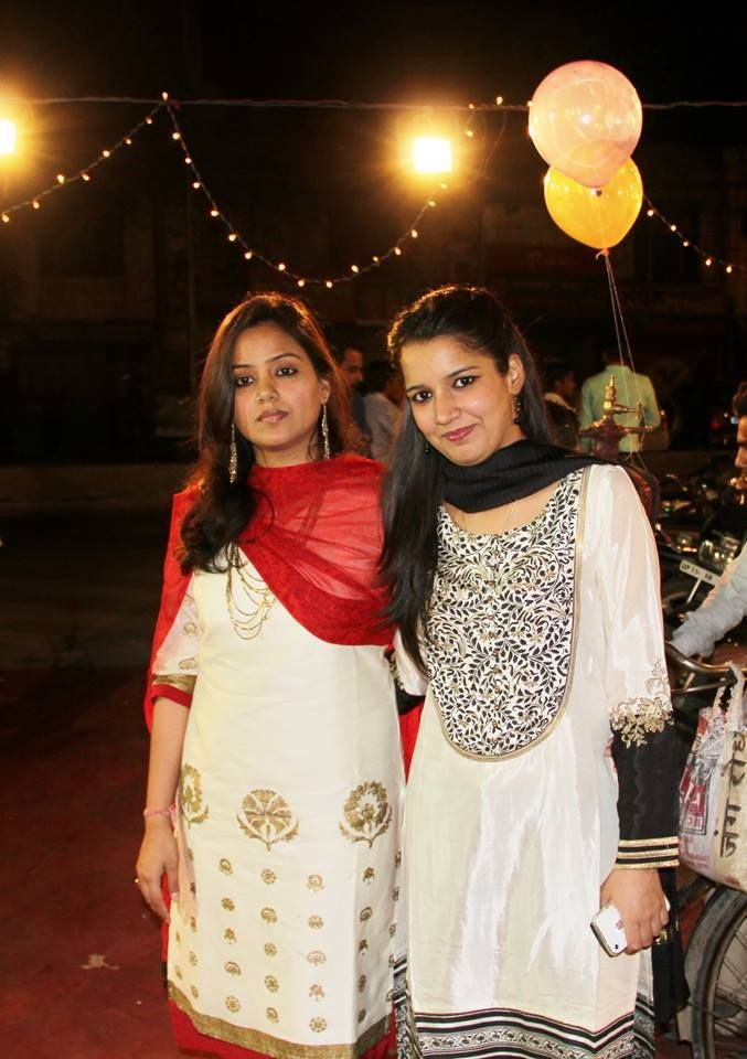 The #Wishful grace speaks volumes about Srishti & her sister's style. What do you say?