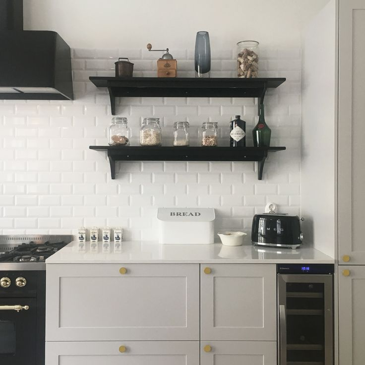 Our customers personalised her kitchen for a fraction of the prices of traditional design kitchens.  A.S.Helsingö: Doors, handles & table top ILVE: Oven & cooktop  IKEA: METOD cabinet frames & wall shelf