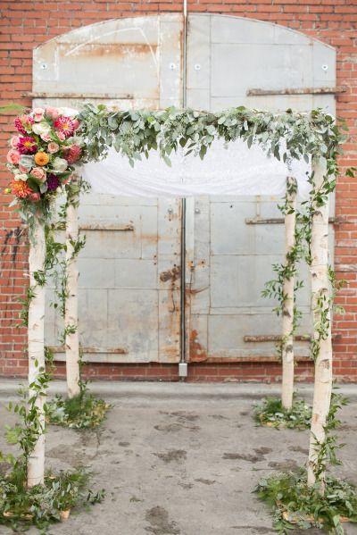 Woodland inspired ceremony: http://www.stylemepretty.com/north-carolina-weddings/durham/2015/04/27/urban-woodland-wedding-inspiration/ | Photography: Nancy Ray - http://nancyrayphotography.com/