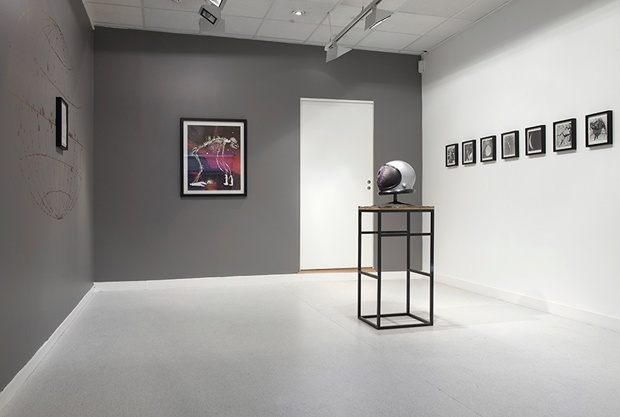 Javier Barrios – Twilight is Upon Me, installation view, 2011, Rod Bianco Gallery, Oslo. Image © Javier Barrios. Used here by kind permission from the artist. All rights reserved.