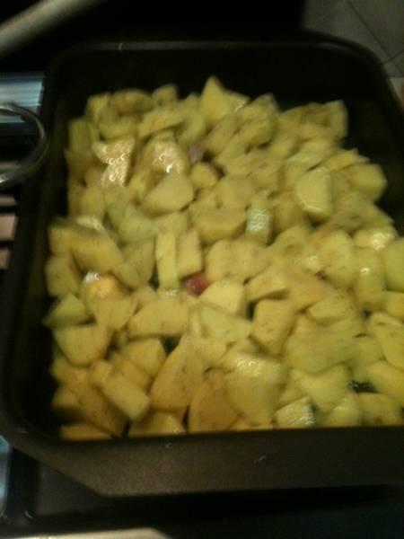 Gustose patate al forno alle erbe aromatiche