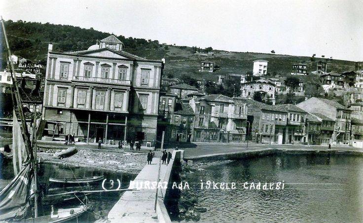 Burgazada İskele Caddesi http://ift.tt/2shA7Ov