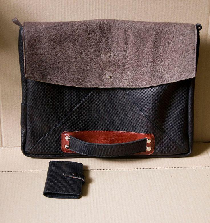 Aktówka z klapą i uchwytem.  #mansBag #bag #briefcase #MansFashion #leatherBag