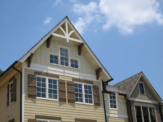 8 best cottage gable roof images on pinterest for Craftsman gable brackets