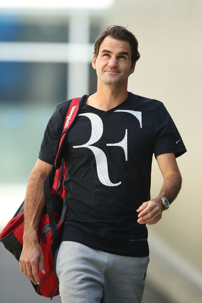 Roger Federer Photos: Australian Open: Day 4