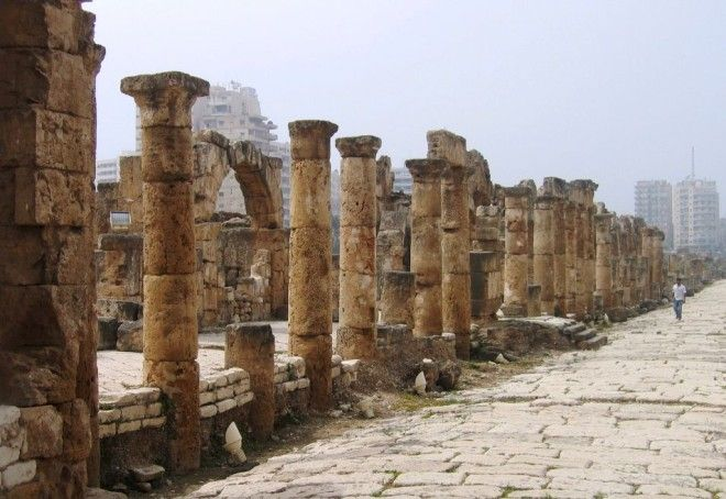 Roman architecture, Tyre, Lebanon | 1,000,000 Places