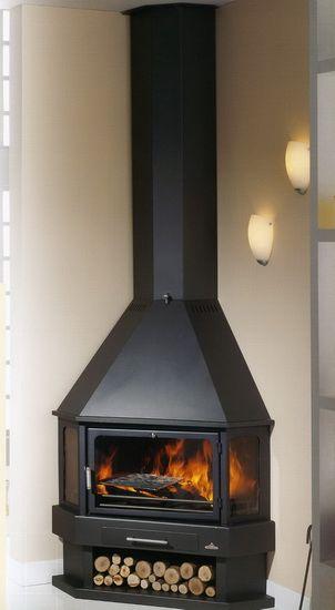 La chimenea metálica  LORCA RINCON  en ambiente.