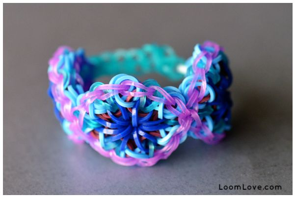 How to: Kaleidoscope Rainbow Loom bracelet pattern: Rainbowloom, Rainbow Loom, Rainbows Loom Patterns, Loom Bands, Bracelet Patterns, Bracelets Patterns, Rainbows Loom Bracelets, Kid, Kaleidoscopes Bracelets