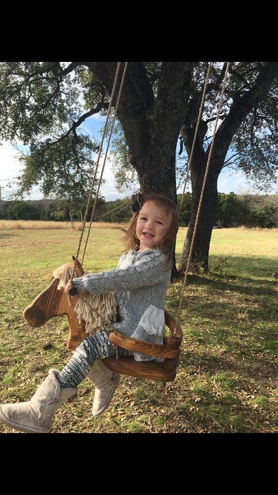 Columpio caballo de madera por Nowlain en Etsy