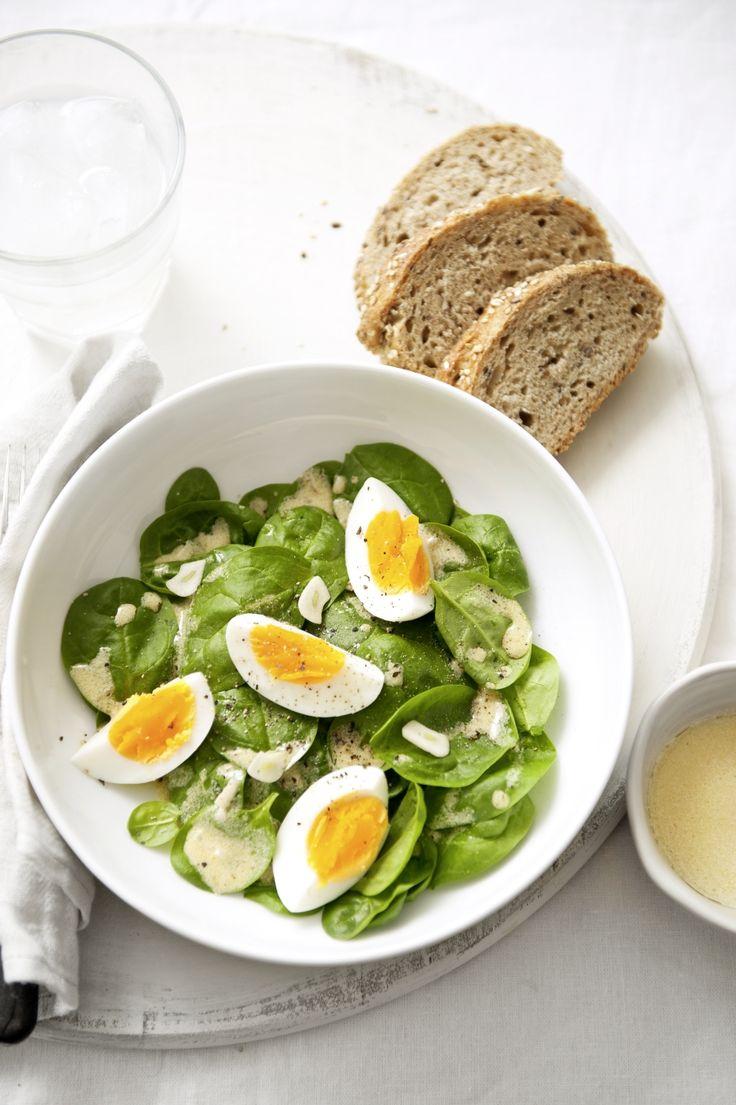 Spenótsaláta tojással / Spinach Salad with Hard-Boiled Eggs