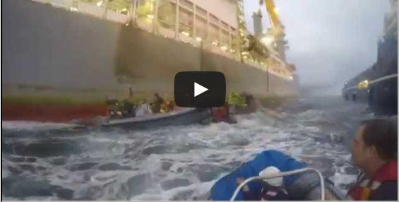 Spanish Navy ramms Greenpeace boats