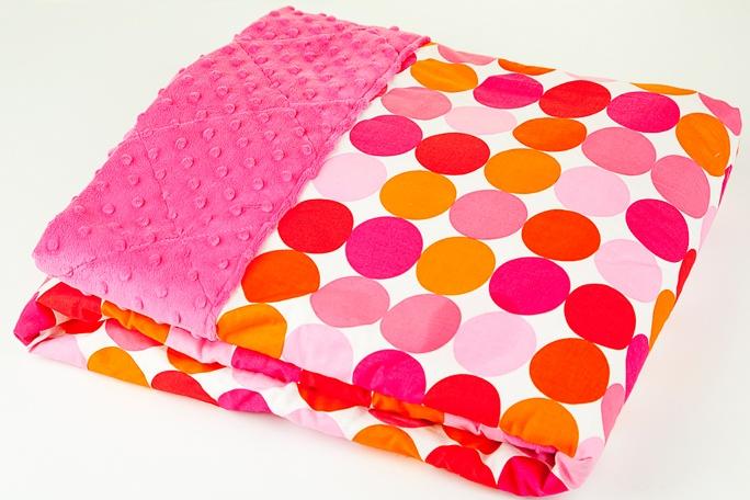 Couvertures Poisson Lune    De format généreux et ultra douces, ces couvertures sont parfaites pour la chambre, la promenade ou la garderie! Les motifs colorés sont sûrs de plaire aux enfants. $49.99