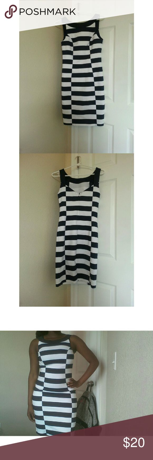 Bodycon Dress ♡ This is a cute bodycon dress from H&M. This Navy Blue & White stripped dress is perfect for any occasion! This dress is in great condition ! Feel free to ask any questions about this dress.  Price is firm. // NO TRADES // // Please don't advertise your closet. // H&M Dresses