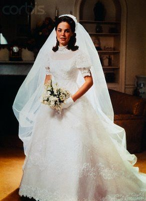 Julie Nixon weds one month before Richard Nixon took office as President. A beautiful traditional bridal gown by Priscilla of Boston.