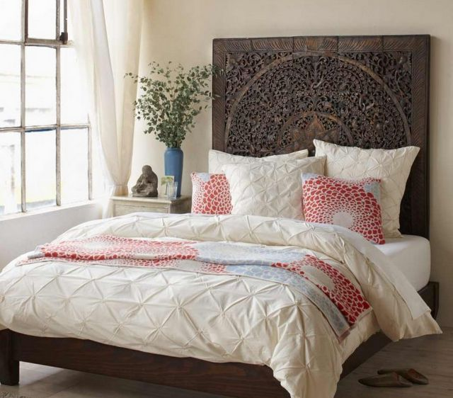 Love the headboard.Guest Room, Carvings Wood,  Comforters, Headboards, White Beds, Head Boards,  Puff, Beds Frames, Bedrooms Ideas
