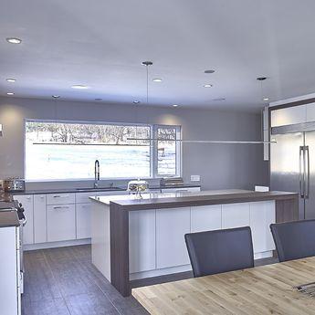cool cuisine urbain avec comptoir lot en stratifie et quartz with recouvrir un comptoir de cuisine. Black Bedroom Furniture Sets. Home Design Ideas