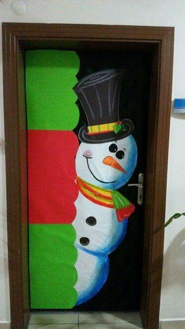 Pin de eva en puertas ventanas decoradas pinterest for Puertas decoradas navidad material reciclable