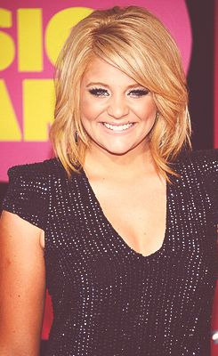 lauren alaina   I was SO lucky to be able to sing with Lauren, Randy Houser, Thomas Rhett and Phil Vassar backstage when they came to the Ktts Birthday Bash!! I will never forget that night! They are some fantastic artists and fantastic people <3