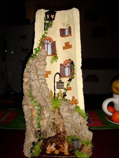 Il piccolo FantaMondo: Tegole natalizie con tanto di luci notturne di qua...