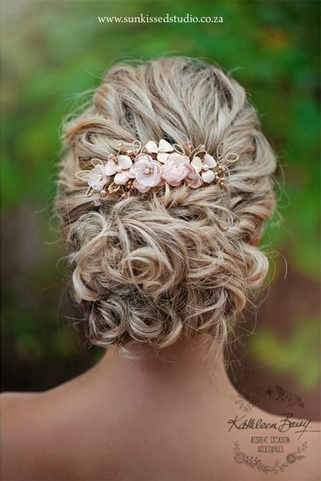 Bridal hair comb with rose gold wire and handmade floral fabric flowers this hairpiece is sturdy and can be styled in many…