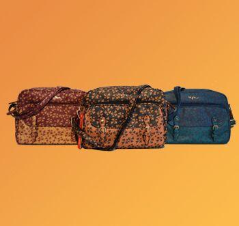 La classica tracolla sportiva con un'ampia tasca anteriore. Sempre della linea Minù in vendita qui: https://www.amazon.it/s/ref=sr_pg_1?me=AMVJO3UPU429R&fst=as%3Aoff&rh=p_4%3ANaj+Oleari&ie=UTF8&qid=1476366146