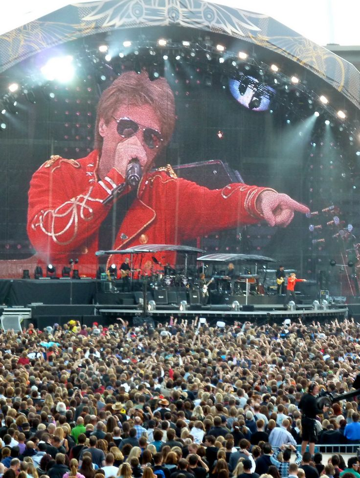 Bon Jovi live   by hdzimmermann