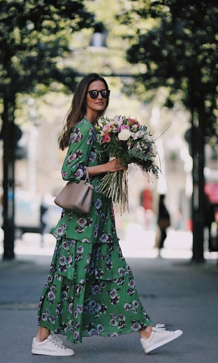 preppy outfit inspiration   casual chic   sneaker love   floral dress   stylish outfit inspiration   Fitz & Huxley   www.fitzandhuxley…