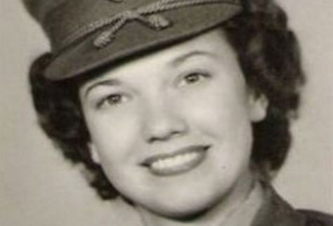 She Was One Of The First Female Marines EVER, Then She Became A TV Star. And No One Knew!