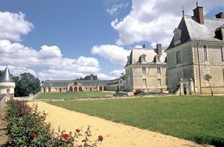 - Château de Gizeux