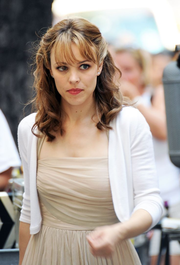 How-To: Rachel McAdams's Twisty Waves