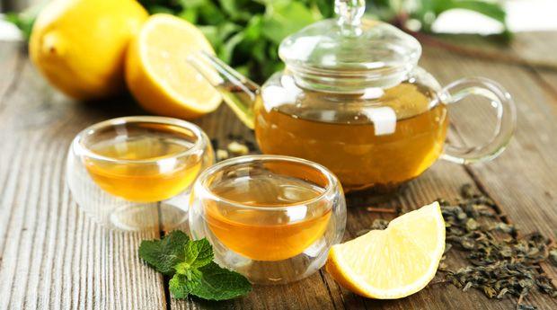 Худеем с зеленым чаем: 5 вопросов - Любите зеленый чай? У нас для вас есть хорошие новости! Зеленый чай обладает потрясающей способностью ускорять метаболизм и сжигать лишний жир. Одно исследование приводит следующие цифры: любители фитнеса, пьющие зеленый чай, с�