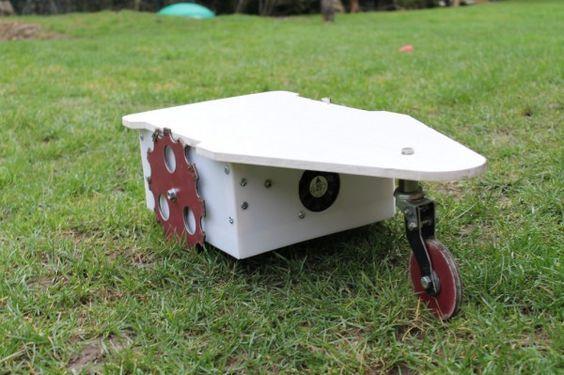cutflower un robot tondeuse autonome propulse par un arduino 04 600x399 CutFlower : Un Robot Tondeuse autonome propulsé par un Arduino